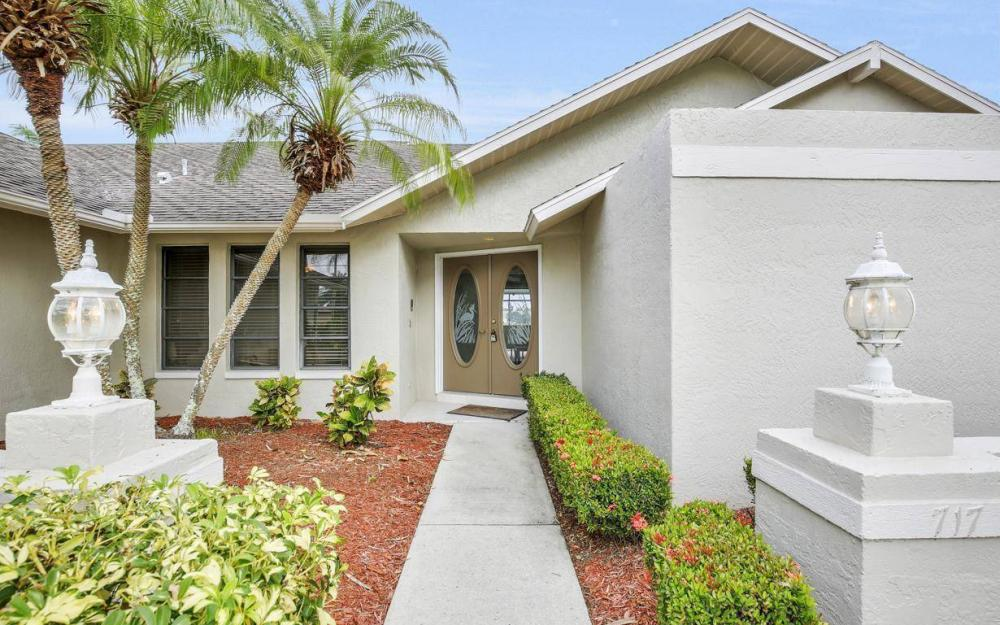 717 SW 49th Ln, Cape Coral - Home For Sale 342406144