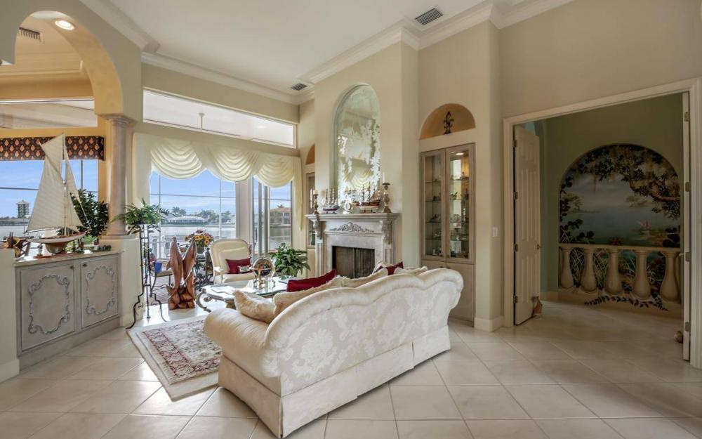 1275 Winterberry Dr, Marco Island - Home For Sale 847064320