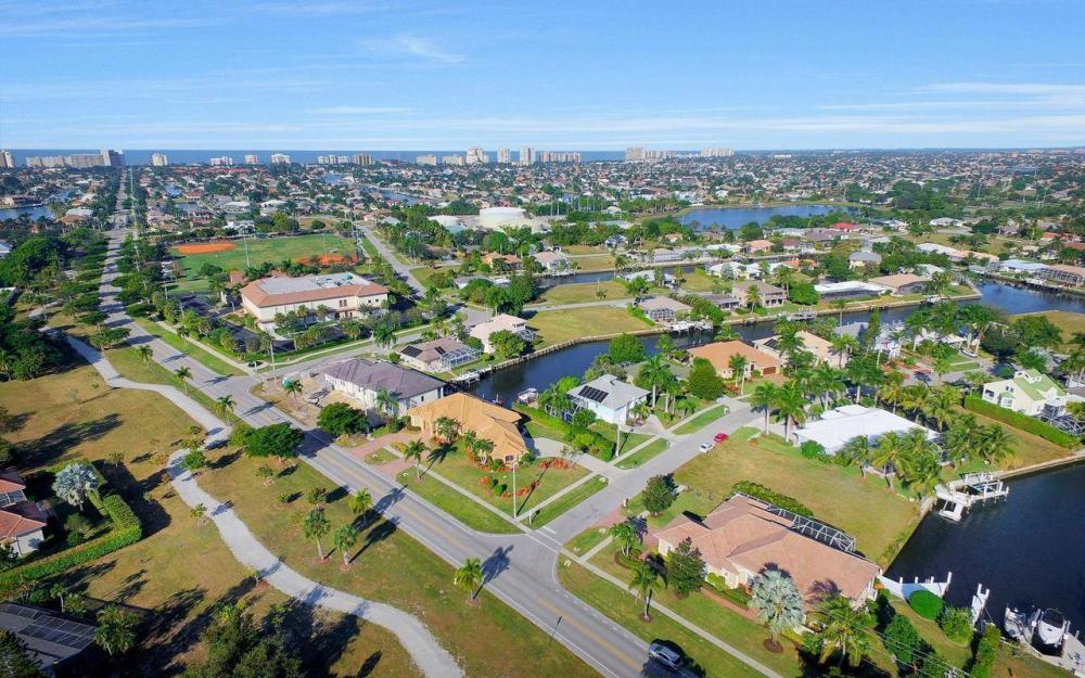 1500 Winterberry Dr, Marco Island - Home For Sale 579150566