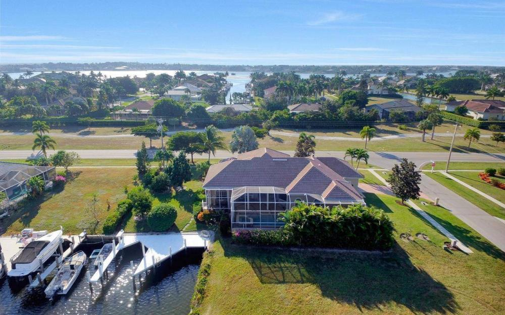 1500 Winterberry Dr, Marco Island - Home For Sale 291188029