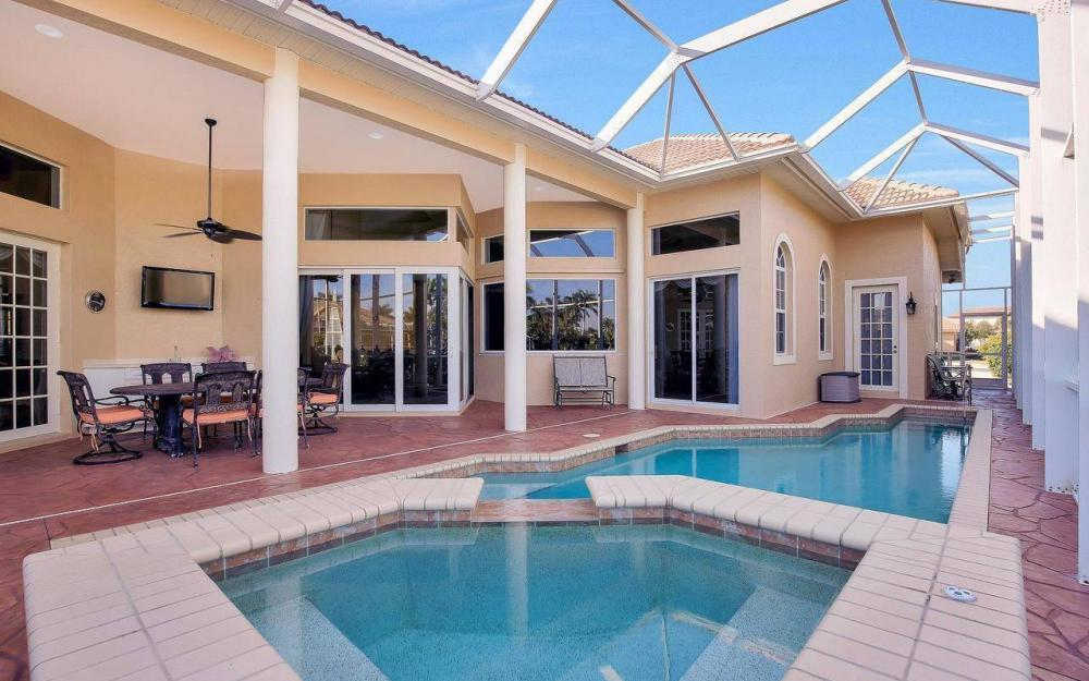 1500 Winterberry Dr, Marco Island - Home For Sale 1950083444
