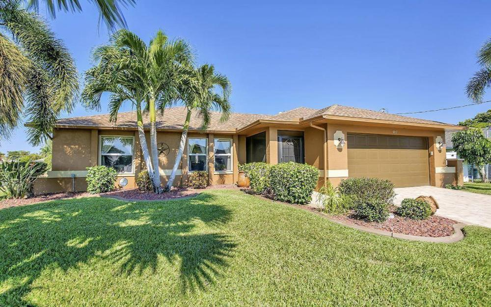 1017 SW 37th Ln, Cape Coral - Home For Sale 1164434841