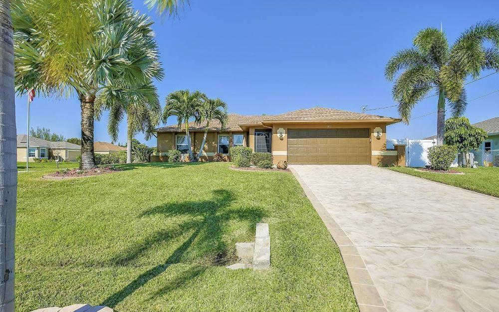1017 SW 37th Ln, Cape Coral - Home For Sale 744578772