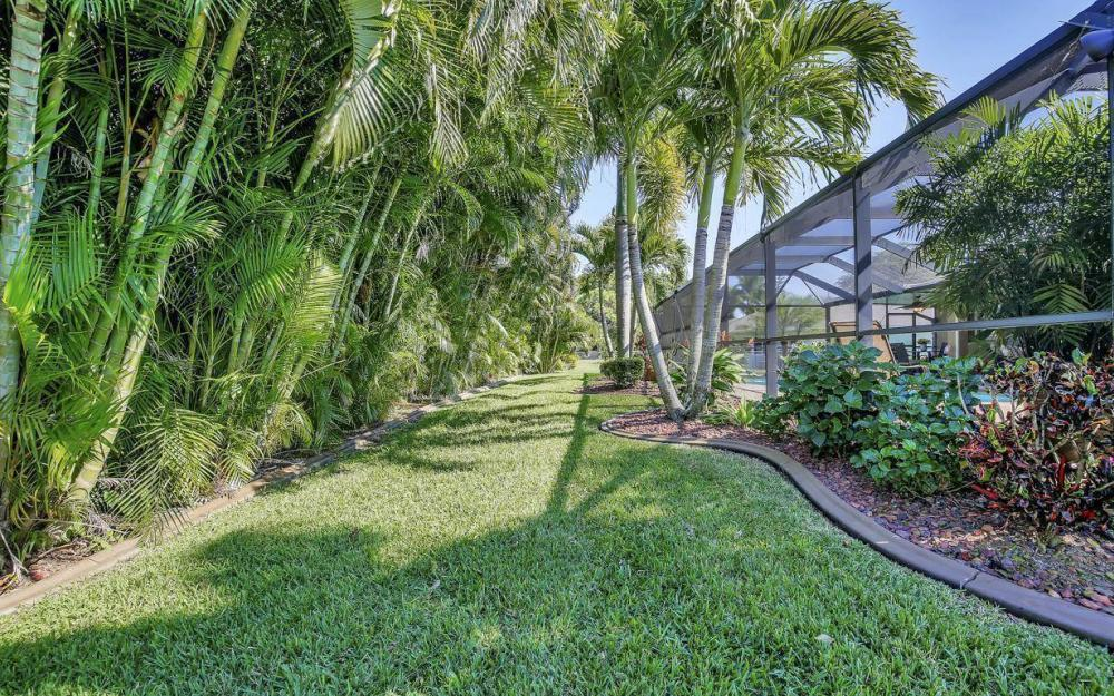 1017 SW 37th Ln, Cape Coral - Home For Sale 487358139