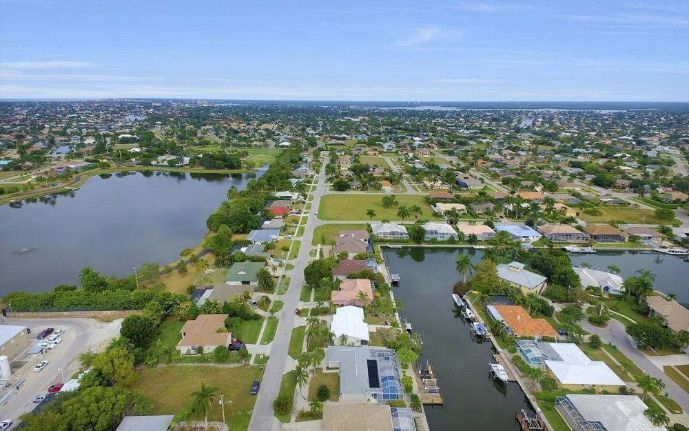 449 Worthington St, Marco Island - Home For Sale 2051216009