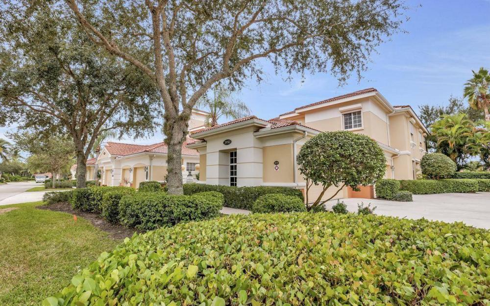 3950 Deer Crossing Ct #104, Naples - Home For Sale 1125366613