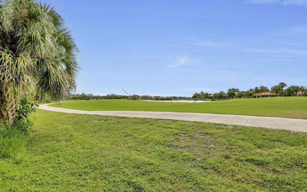 3950 Deer Crossing Ct #104, Naples - Home For Sale 1869632800