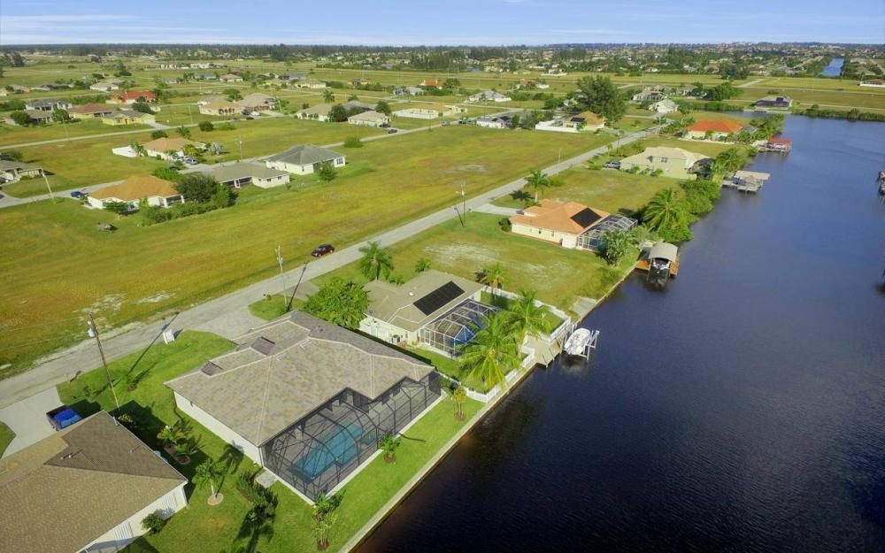 3410 NW 4th St, Cape Coral - Home For Sale 1137341671