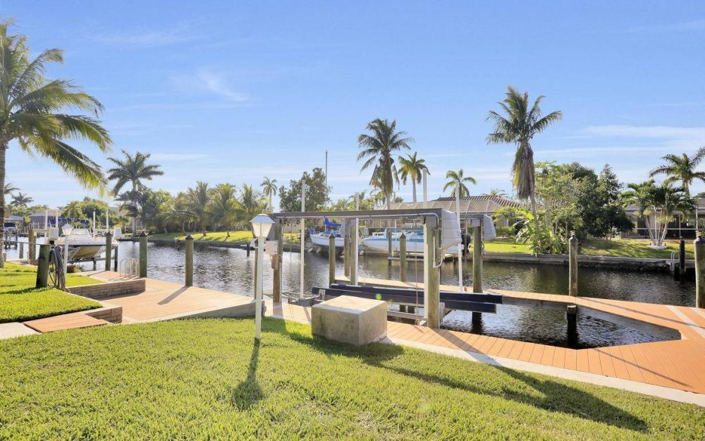 5322 Bayview Ct, Cape Coral - Home For Sale 2143755612