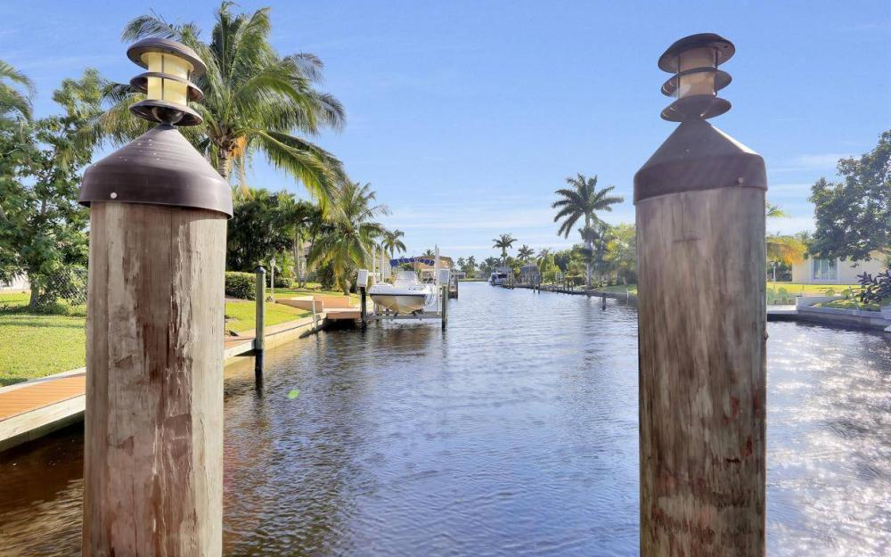 5322 Bayview Ct, Cape Coral - Home For Sale 562885403