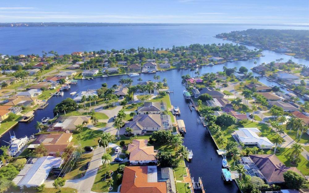 5322 Bayview Ct, Cape Coral - Home For Sale 380100641