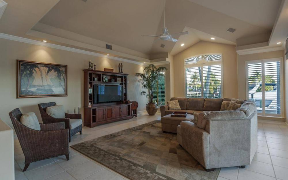 1523 Hermitage Ln, Cape Coral - Home For Sale 996721058
