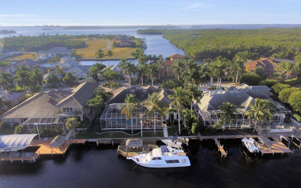 1523 Hermitage Ln, Cape Coral - Home For Sale 491036265