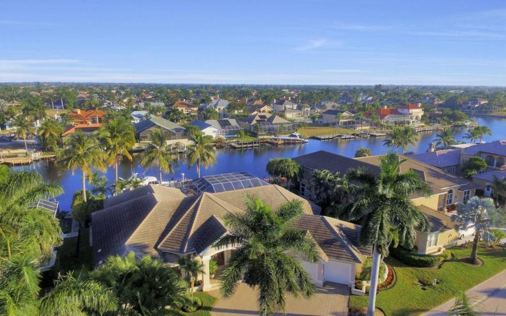 1523 Hermitage Ln, Cape Coral - Home For Sale 1824237142