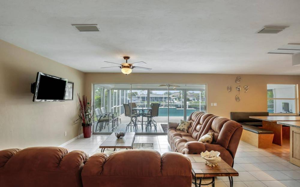 13879 Sleepy Hollow Ln, Fort Myers - Home For Sale 824835046