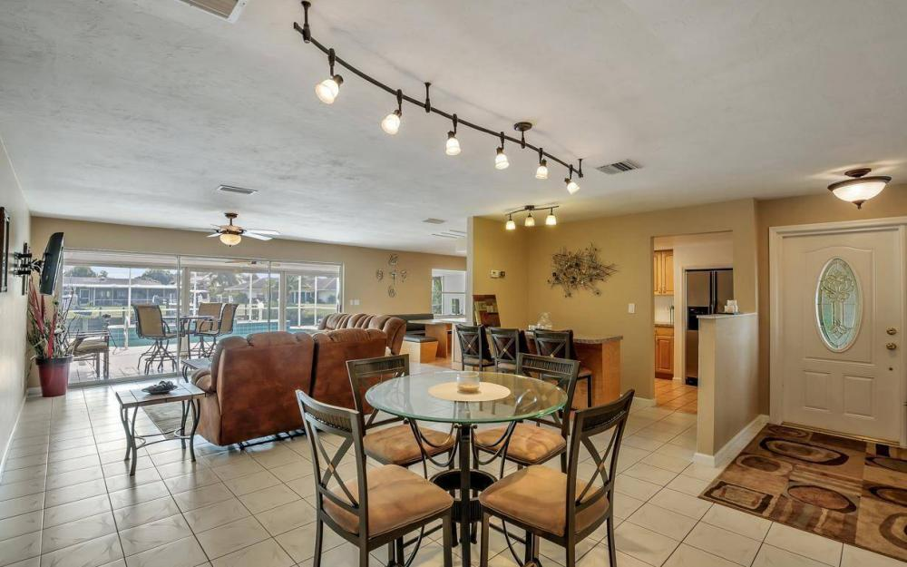 13879 Sleepy Hollow Ln, Fort Myers - Home For Sale 2011186837