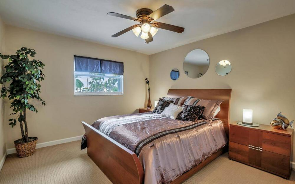 13879 Sleepy Hollow Ln, Fort Myers - Home For Sale 2153626