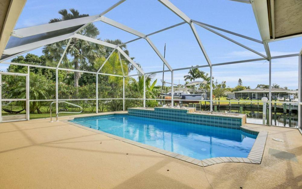 13879 Sleepy Hollow Ln, Fort Myers - Home For Sale 597507691