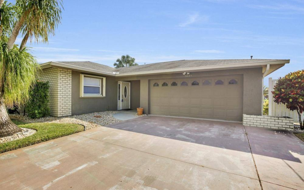 13879 Sleepy Hollow Ln, Fort Myers - Home For Sale 1074326512