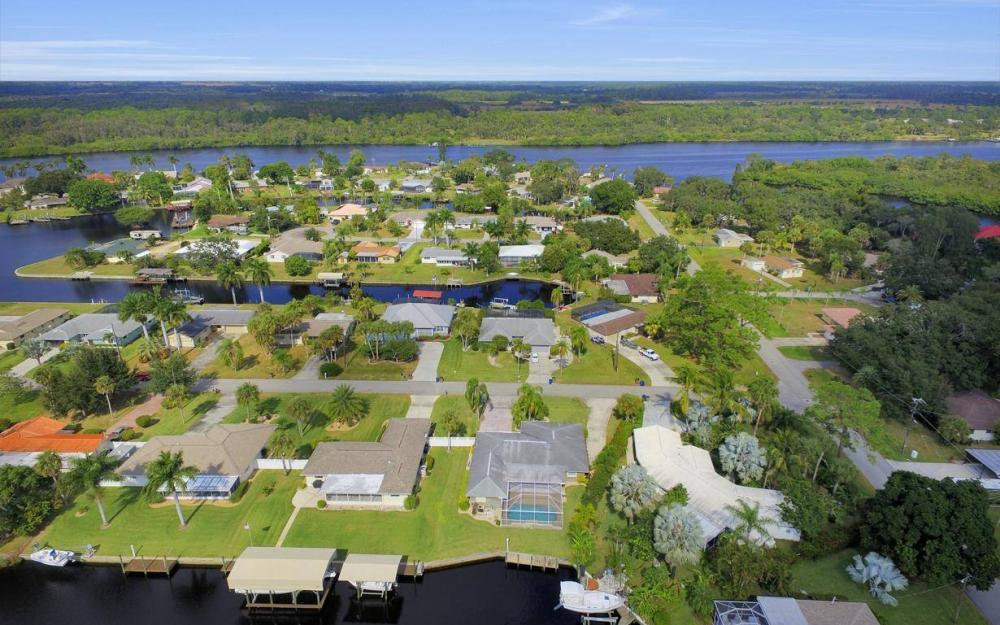 13879 Sleepy Hollow Ln, Fort Myers - Home For Sale 695354926