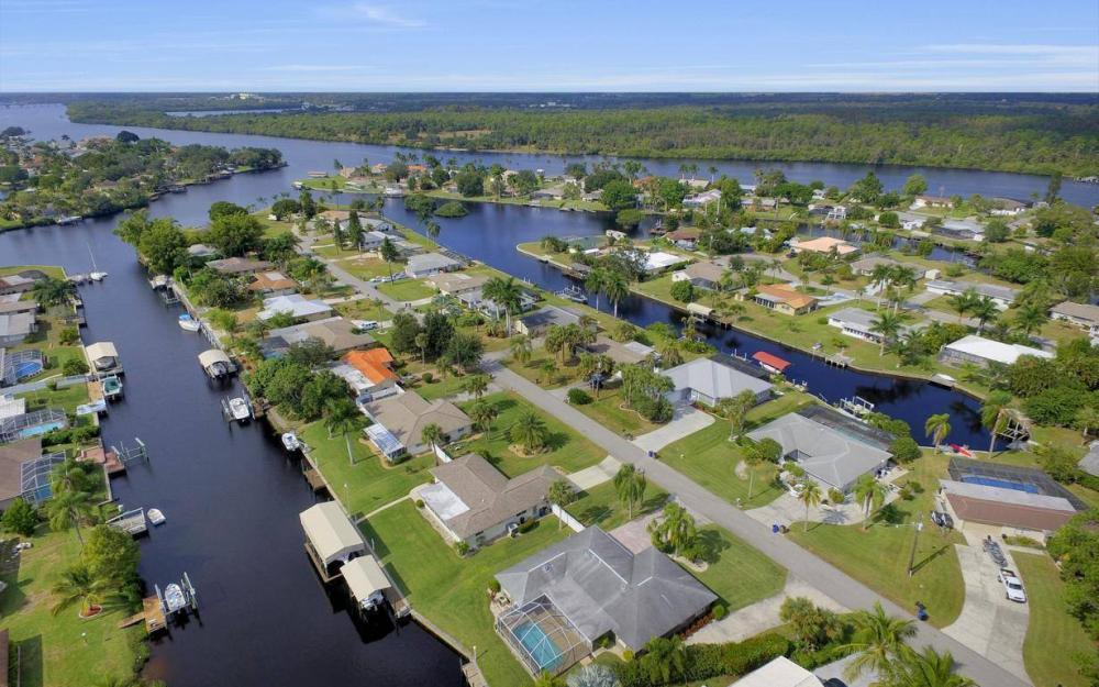 13879 Sleepy Hollow Ln, Fort Myers - Home For Sale 667805334
