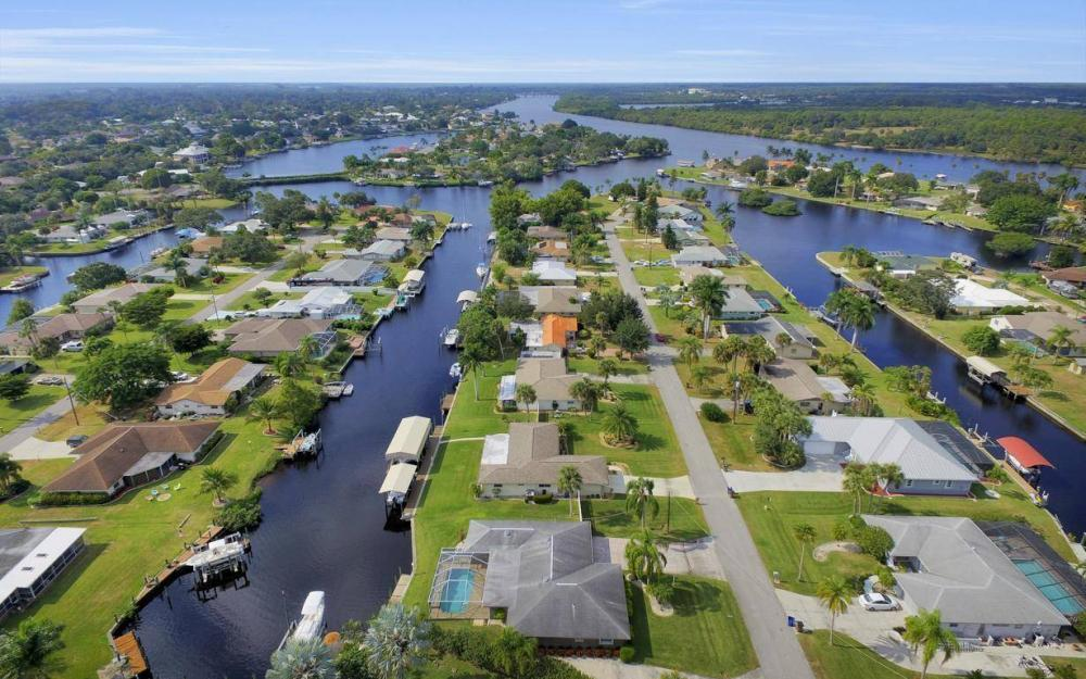 13879 Sleepy Hollow Ln, Fort Myers - Home For Sale 929515274