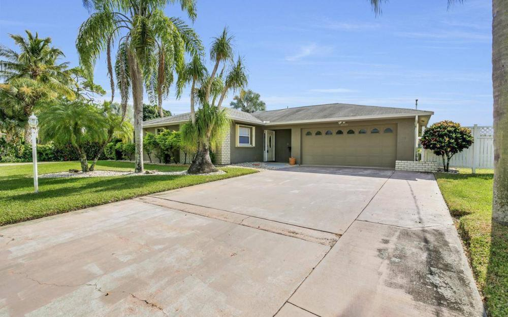 13879 Sleepy Hollow Ln, Fort Myers - Home For Sale 327609539