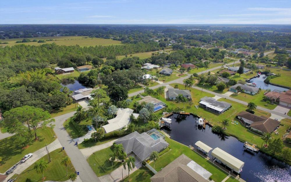 13879 Sleepy Hollow Ln, Fort Myers - Home For Sale 144117781