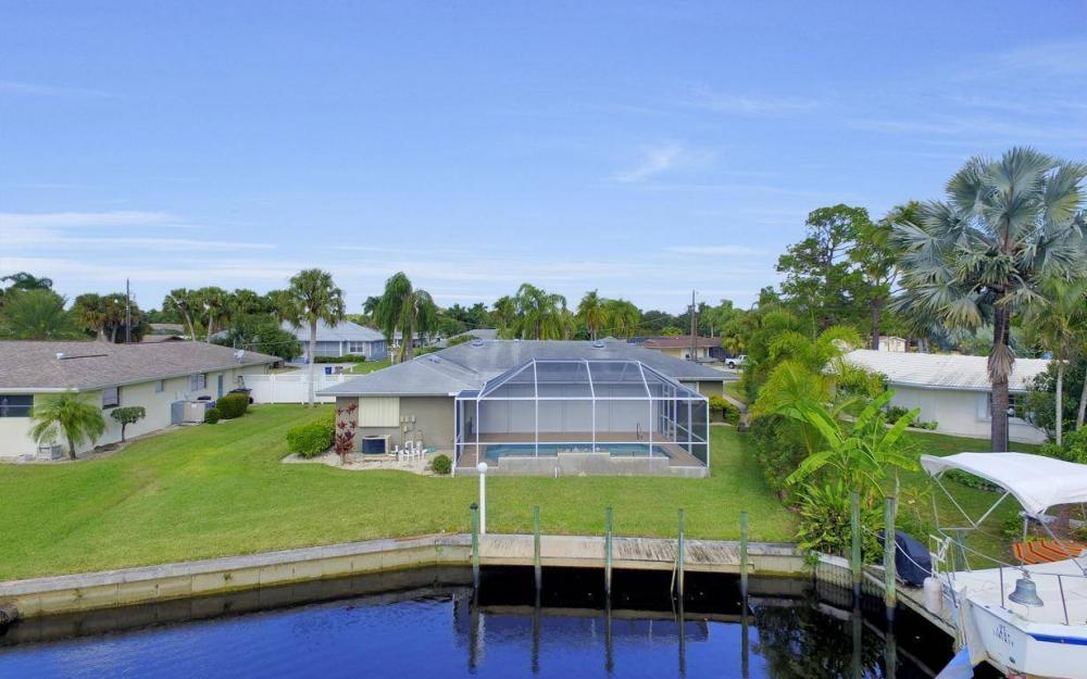 13879 Sleepy Hollow Ln, Fort Myers - Home For Sale 698108913