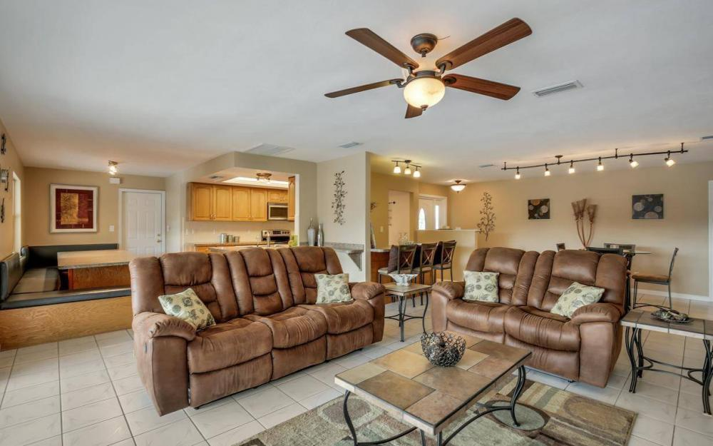 13879 Sleepy Hollow Ln, Fort Myers - Home For Sale 142392726