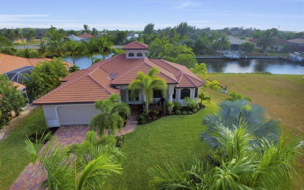 3816 SW 3rd Terrace, Cape Coral - Home For Sale 508640234