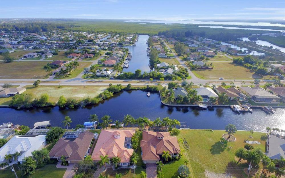 3816 SW 3rd Terrace, Cape Coral - Home For Sale 385838675