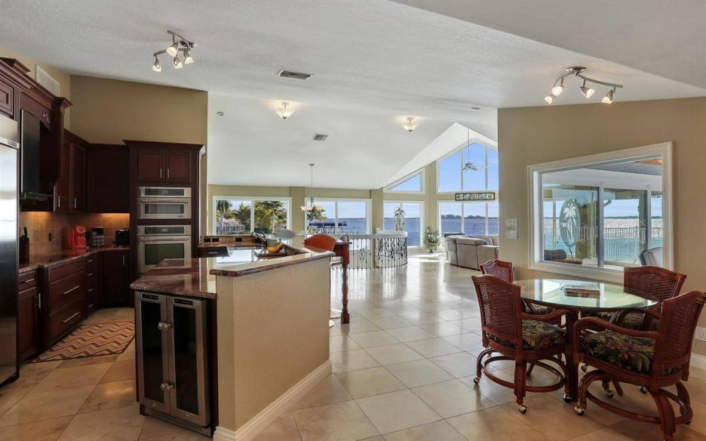 101 SW 58th St, Cape Coral - Home For Sale 803663956