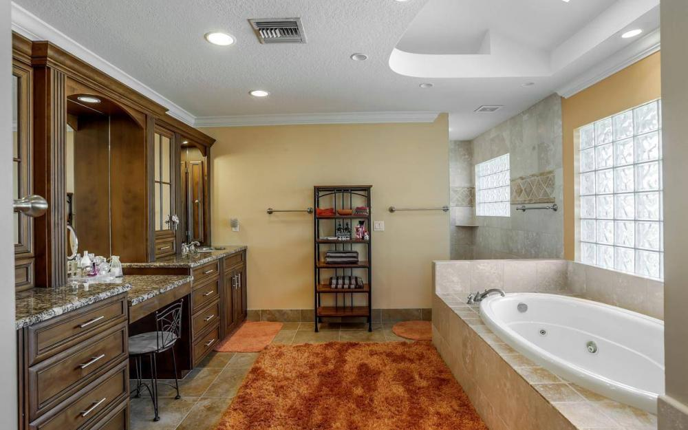 101 SW 58th St, Cape Coral - Home For Sale 1065368481