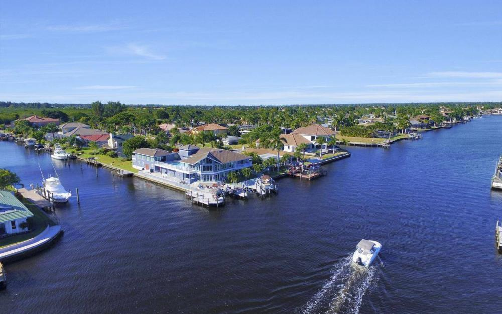 101 SW 58th St, Cape Coral - Home For Sale 445365024