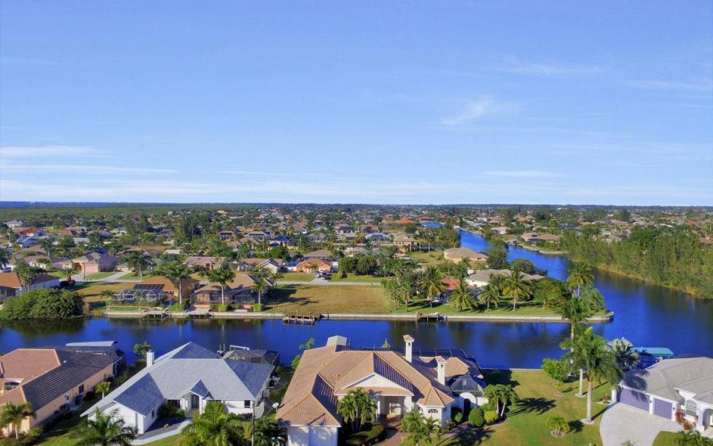 2803 SW 36th Ter, Cape Coral - Home For Sale 227974522