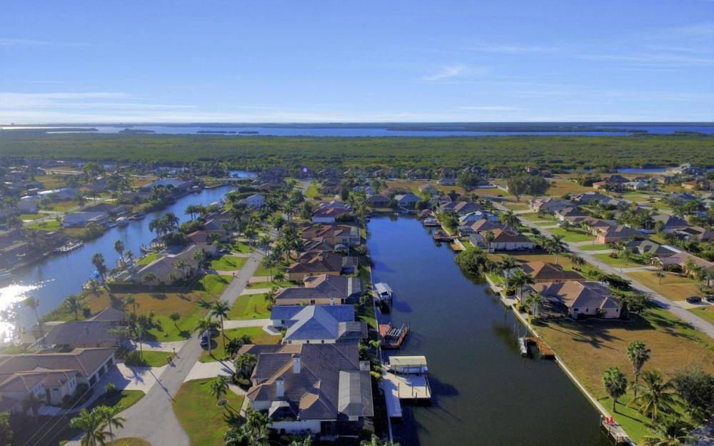 2803 SW 36th Ter, Cape Coral - Home For Sale 926396843