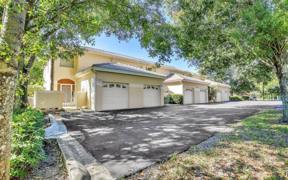 1098 Woodshire Ln #H106, Naples - Condo For Sale 322210738
