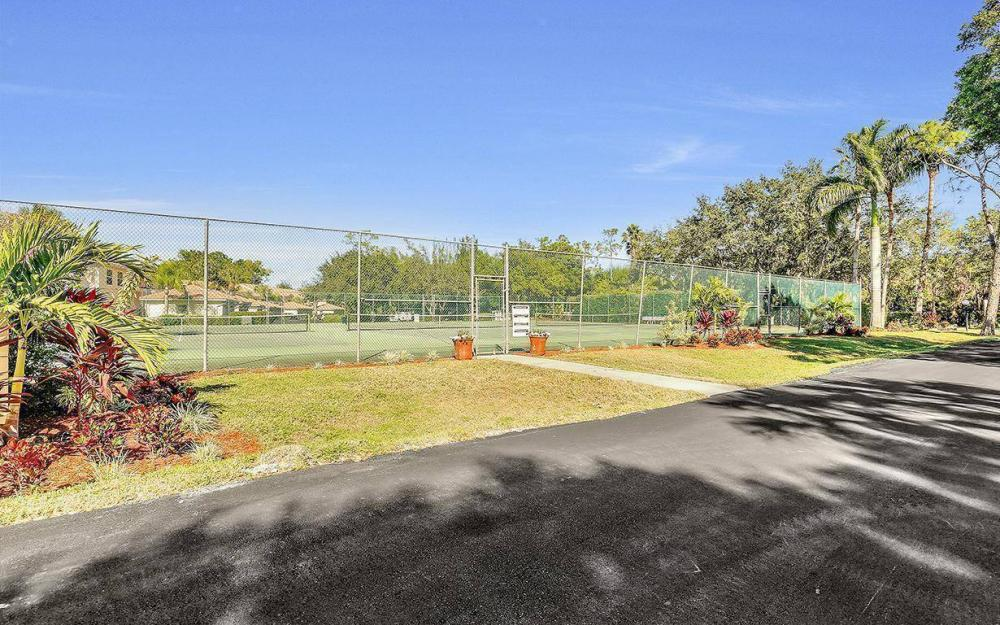 1098 Woodshire Ln #H106, Naples - Condo For Sale 1850974747