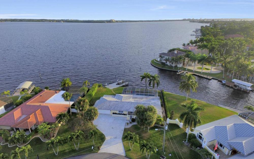 1600 Edith Esplanade, Cape Coral - Home For Sale 1890866214