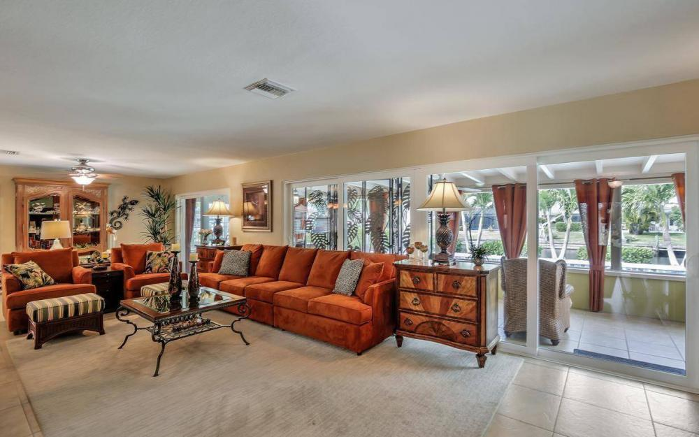 439 Pinecrest Ct, Cape Coral - Home For Sale 144672471