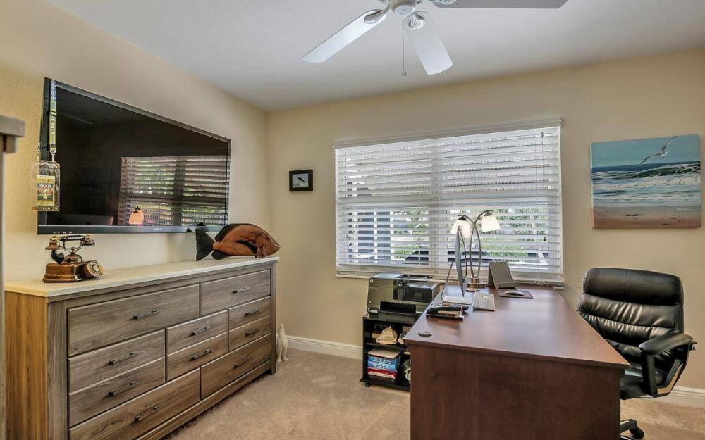 439 Pinecrest Ct, Cape Coral - Home For Sale 430185540