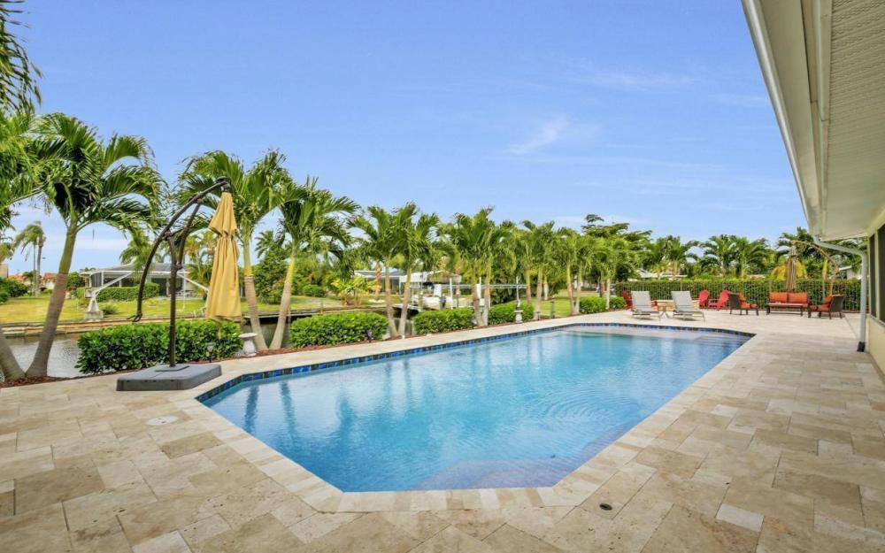 439 Pinecrest Ct, Cape Coral - Home For Sale 759073694