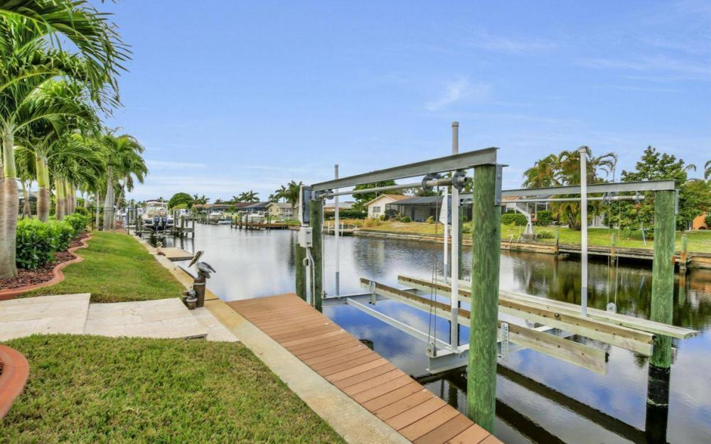 439 Pinecrest Ct, Cape Coral - Home For Sale 1623942698
