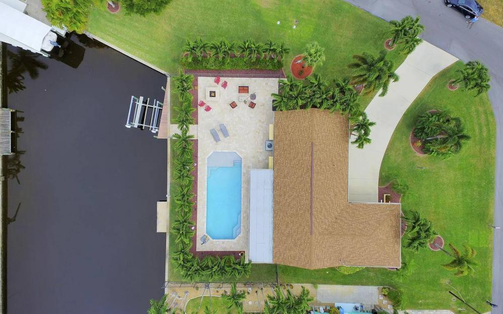 439 Pinecrest Ct, Cape Coral - Home For Sale 135979541