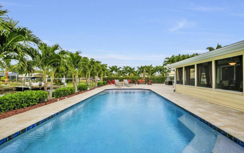 439 Pinecrest Ct, Cape Coral - Home For Sale 1332988588