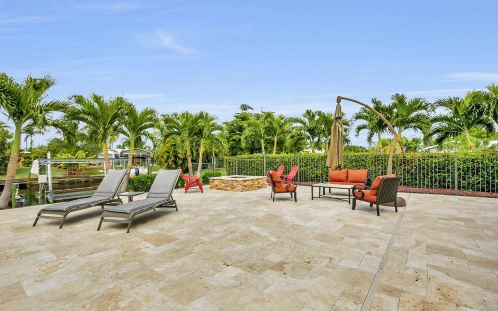 439 Pinecrest Ct, Cape Coral - Home For Sale 1604065566