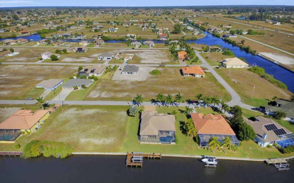 3312 NW 2nd Terrace - Cape Coral Home For Sale 1984621687
