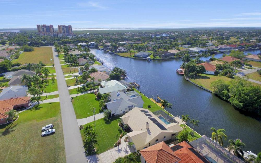 5310 SW 16th Pl, Cape Coral - Home For Sale 12702123