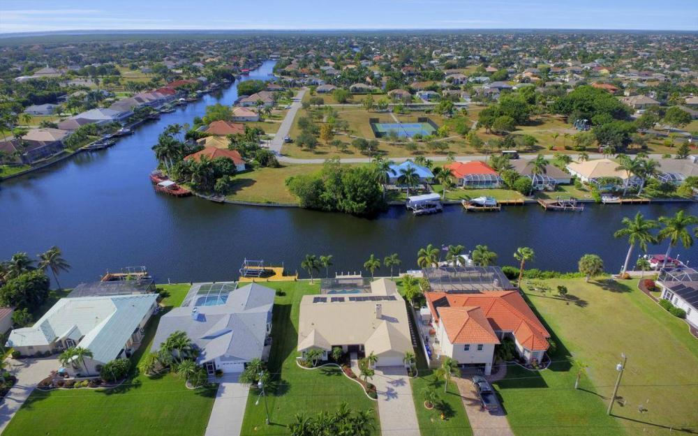 5310 SW 16th Pl, Cape Coral - Home For Sale 346229012